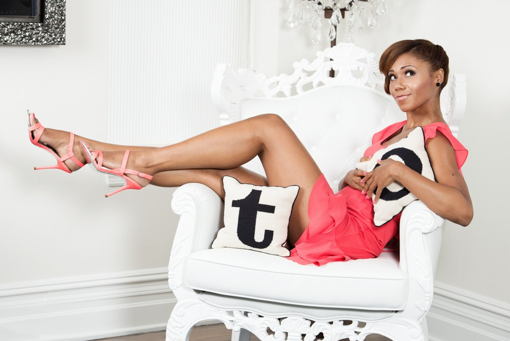 Toks Olagundoye - The Neighbors (ABC)