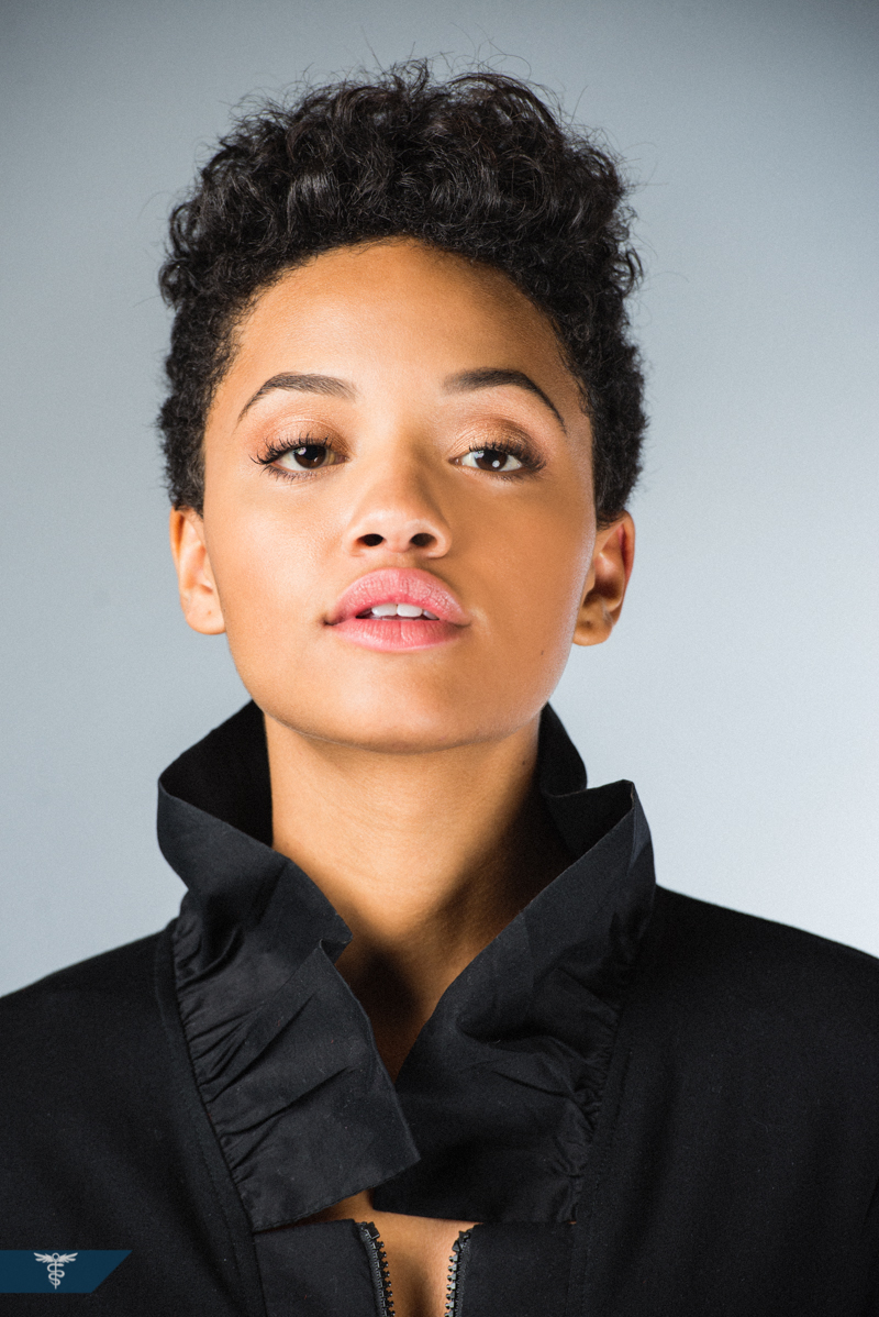 Kiersey Clemons – Eye Candy, Transparent